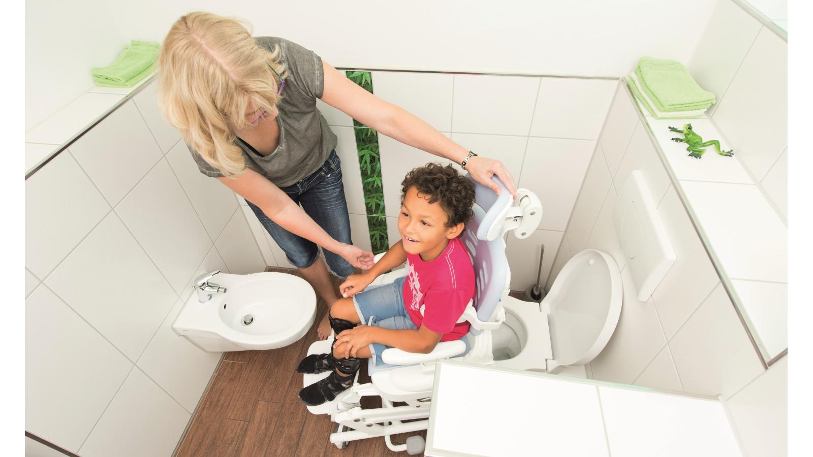 """Hilfsmittel-Ratgeber """"Toilettenstuhl-Nutzung über dem WC-Becken"""