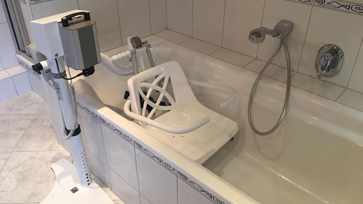 Produktschau Hilfen Fur Die Badewanne Einstiegshilfen