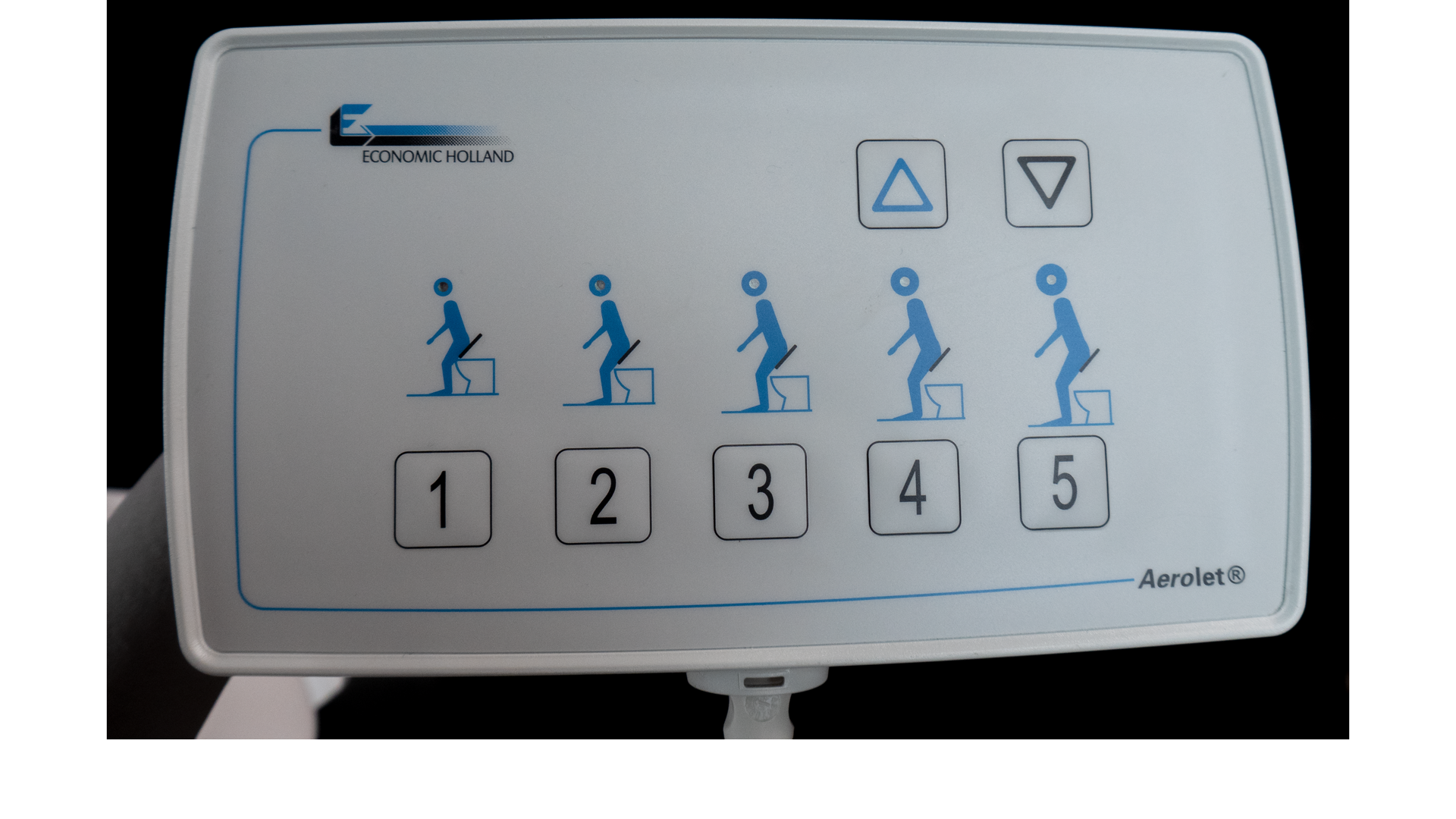 Bedienung per Taster - Aerolet® Toilettenlift